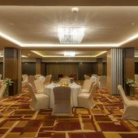 Banquet - Round table seating 1.jpg